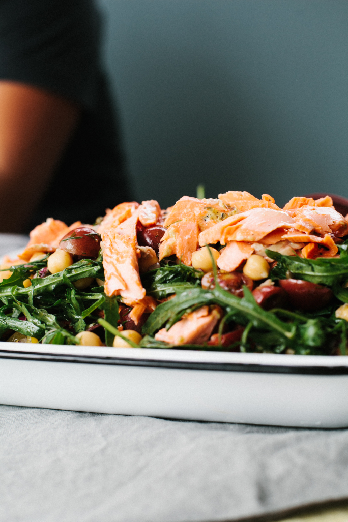 Salmon and Chickpea Salad //
